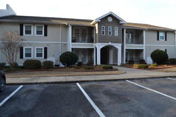 Briarwood Apartments exterior